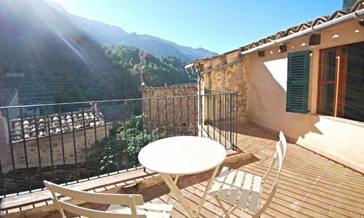 Mallorca Bed and Breakfast - roof terrace overlooking Soller mountains