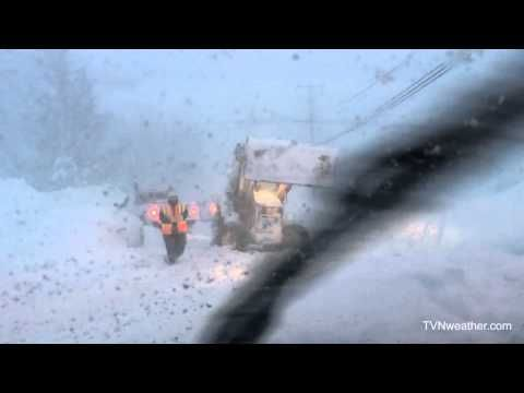 Rare video from inside the core of the intense Buffalo lake effect snow band! - YouTube