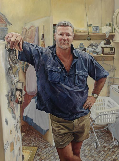 Artist Michael Mucci from Stanwell Park has been awarded the 2006 Packing Room Prize for his portrait of builder and television personality, Scott Cam. Michael Mucci and Scott Cam went to school together and met up again at a recent reunion.