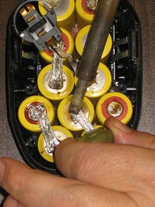How To Rebuild A Dewalt 14 4v Battery Pack Cordless