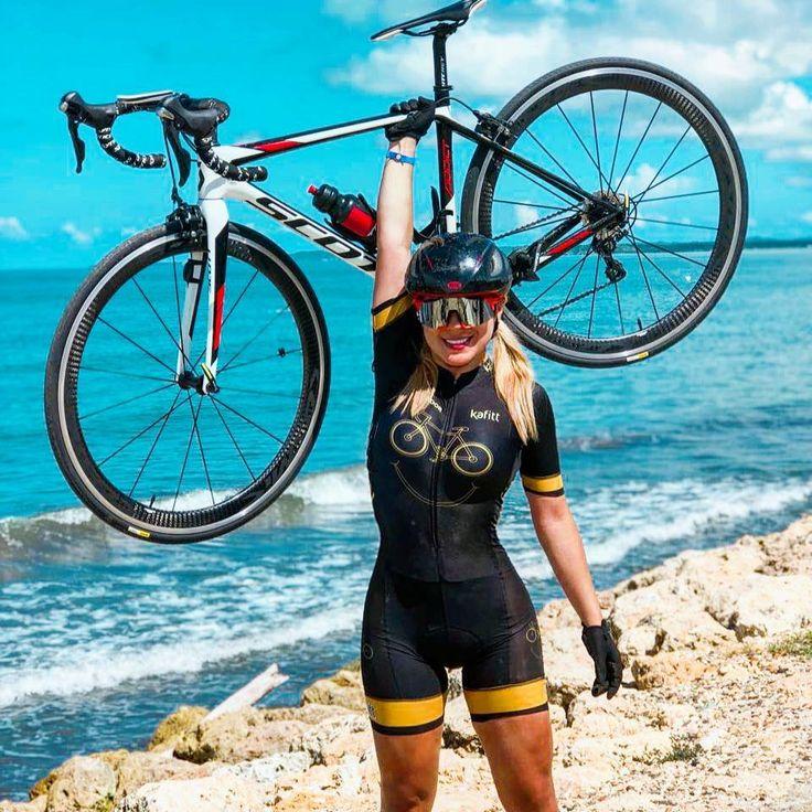 "2,238 Likes, 54 Comments - Nadia Alexandra C (@nanitacarreno) on Instagram: ""Esta semana les tenemos una sorpresita con @kafitt_sport ...ya les contaré. Feliz y súper feliz…"""