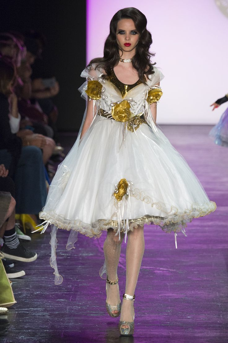 91 best Betsey Johnson images on Pinterest | Fashion show, Betsey ...