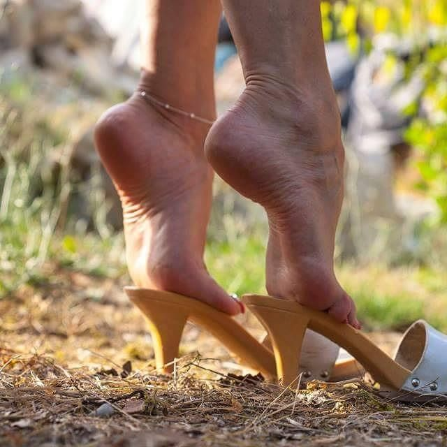 Pin By Dan D Leon On Sexy High Arched Feet Pinterest