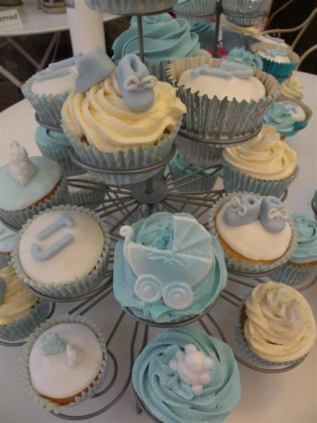 Christening cupcake tailored for boys or girls ! x