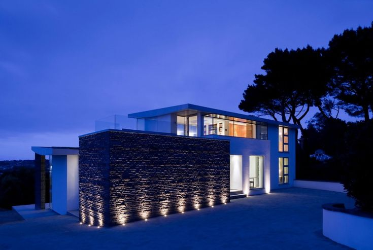Etoile du Nord was completed by Jamie Falla Architecture in 2010. It is located in Castel, Guernsey.