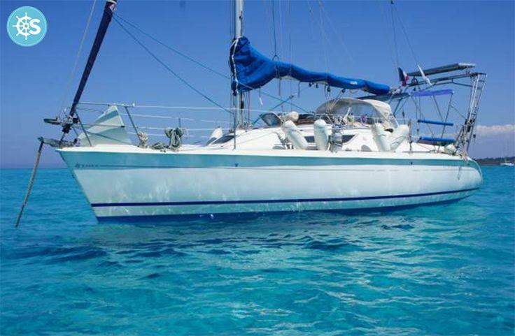 """[INSOLITE] Dormez dans ce bateau en #Corse pour 112 €/jour !  """"Le cadre est tout simplement idyllique!""""  Rendez vous sur SamBoat.fr pour profiter de cette formidable offre de Location entre Particuliers."""