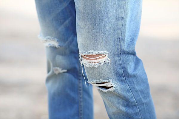 Je ziet ze steeds vaker: jeans met extra ventilatiegaten tegen de stank. Toch hebben deze openingen niet veel nut. Dat blijkt uit een test van consumentenorganisatie ConsuNL. Spijkerbroeken met stankgleuven zijn vooral onder jongeren populair. Ze hopen met een beetje ventilatie de genitale stank te beperken. Onderzoekers testten verschillende spijkerbroeken met deze ventilatiegaten en kwamen tot een duidelijke conclusie: het [...]