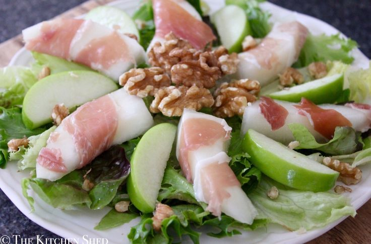 Looking for a quick easy and stress free starter for the big day tomorrow? I can highly recommend making my Clean Eating Melon & Prosciutto Salad - it's light pretty & a real crowd-pleaser.  http://ift.tt/2BumWPu  #recipe #cleaneating #starter #xmas #festive #easyrecipe