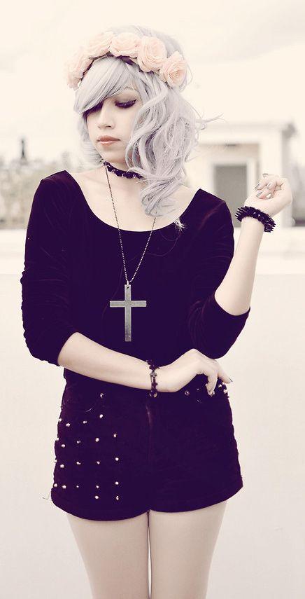 Black Swan: Floral headgear, black choker, black velvet ballerina top and Studded velvet shorts - http://ninjacosmico.com/25-pastel-goth-looks-inspire/2/