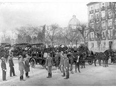 Madrid, 14/12/1906. Revista del personal y material del Cuerpo de Bomberos en el Paseo de la Castellana