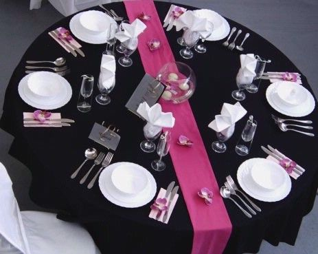 Table runners are an inexpensive way to add a pop of color to the room! RED? This is not my image.