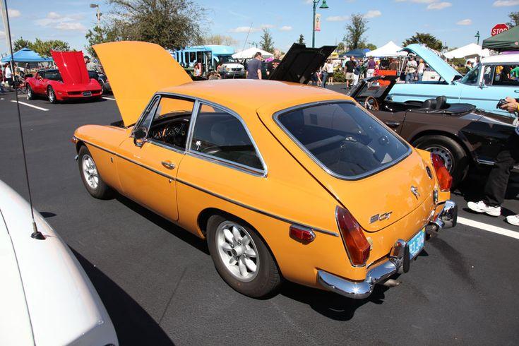 1970 MG B-GT.