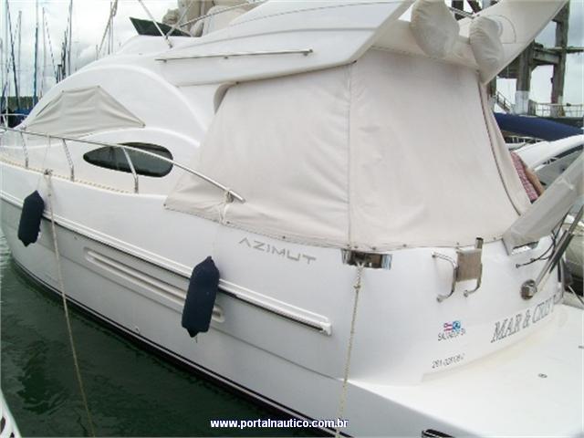Essa bela Intermarine Azimut 38 2008 está no Guarujá com pedida de R$ 1.100.000. Dá uma olhada!