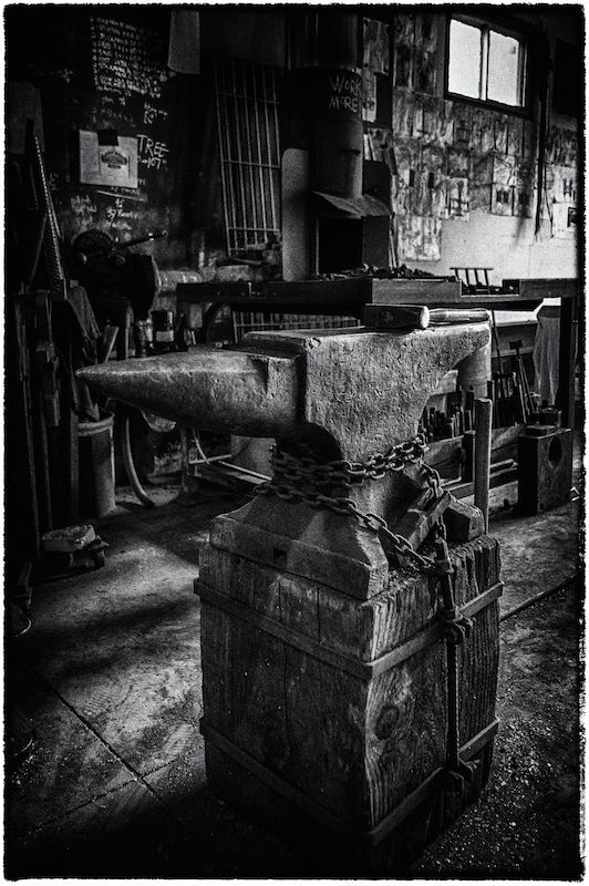 #moody #myanvil #antique #forge #lookstwohundredyearsold - mark puigmarti - image by John Ronson