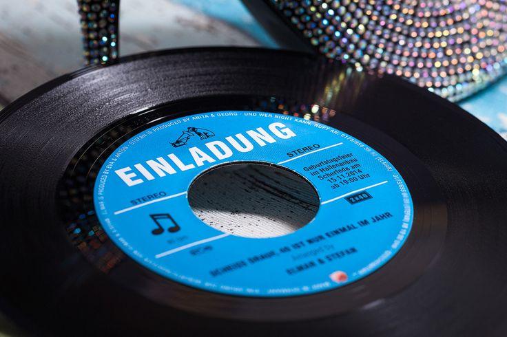 Sehr geile Idee! Echte Vinyl Schallplatten als Einladungen zur Geburtstagsparty. • www.vollstark.de