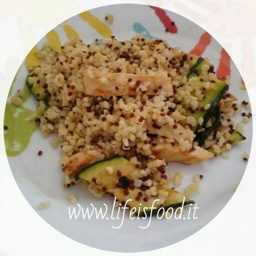 Quinoa e bulgur con pollo, zucchine grigliate e menta