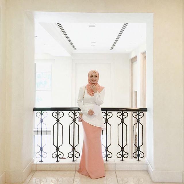 SnapWidget | Wearing a piece from @lana_kl's Raya collection from @fashionvaletcom. ❤️ #fvootd #fvraya2015 #lanakl