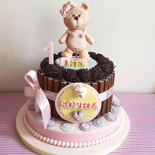 Mêsversário da Sophia #1mês  #bolokitkat