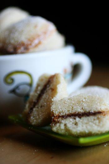 Vanilla Nutella Butterball Cookies: Desserts Recipe, Vanilla Nutella, Butterbal Cookies, Christmas Cookies, Cookiesbarssm Sweet, Nutella Cookies, Butterb Cookies, Sweet Tooth, Nutella Butterbal