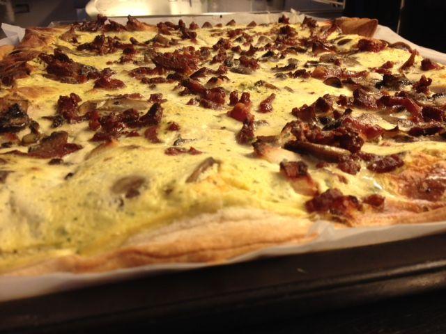 kyllingetærte med champignons og bacon