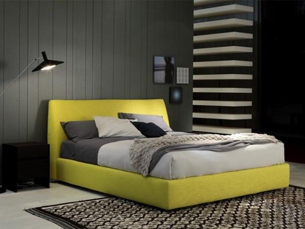 Rechel, disegnato da Carlo Colombo, è uno degli ultimi nati della linea notte di Poliform. http://www.leonardo.tv/camera-da-letto/arredamento-interni-letto-poliform-rechel