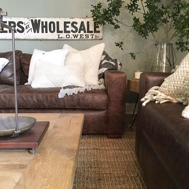 Best 25+ Leather sofa decor ideas on Pinterest | Leather ...