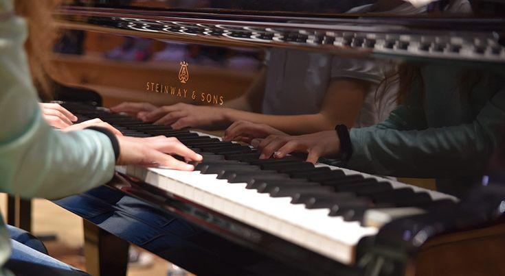 Après des représentations à Paris, Madrid et Varsovie, l'Orchestre des lycées français du monde poursuit son aventure musicale. Pour sa 3e saison, la formation internationale dirigée par Adriana Tanus, enseignante au Lycée français de Madrid, recrute 55 musiciens de la 6e à la terminale. Les amateurs de musique du monde entier sont invités à participer.