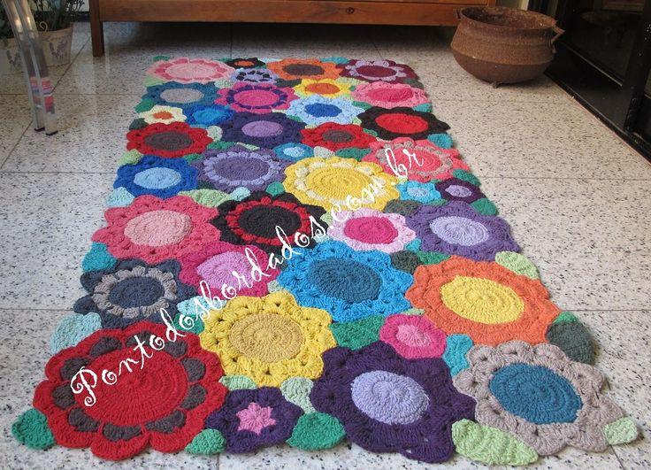 Tapete de croche barbante floral colorido  1.70 x 0.80 - 2012301