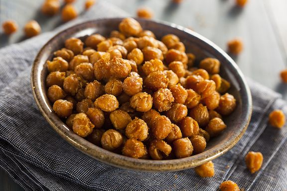Skillet roasted spiced chickpeas | Vegan | Pinterest