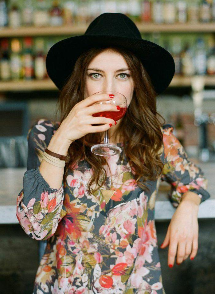Comment porter la capeline noire 65 id es de tenue originale belle comment et - Tenue originale femme ...