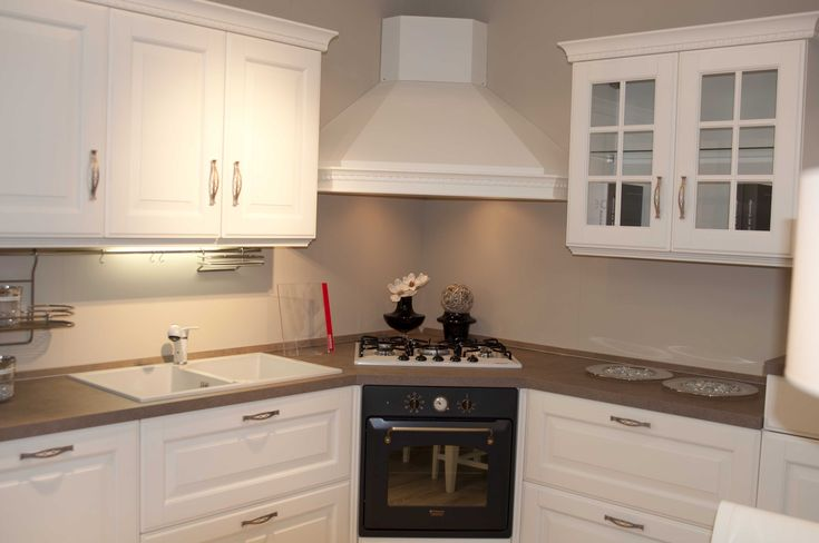 Cucina classica bianca scavolini home nel 2019 white for Casa rustica classica