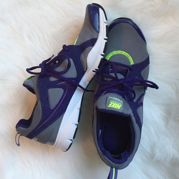 ✨Nike training shoes✨ Nike training shoes perfect for working out or a short run! These have been worn maybe 2 times! Great condition. BUNDLE AND SAVE!! Nike Shoes