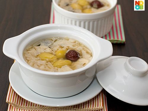 Easy recipe for ginkgo barley dessert, commonly known as fu chok. I cheat by using canned ginkgo nuts, so the steps and cooking time for this recipe are greatly simplified.
