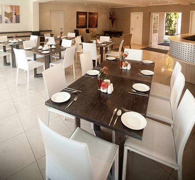 Villa Executive Apartments Dining.     http://www.eahs.co.za/establishments/villa