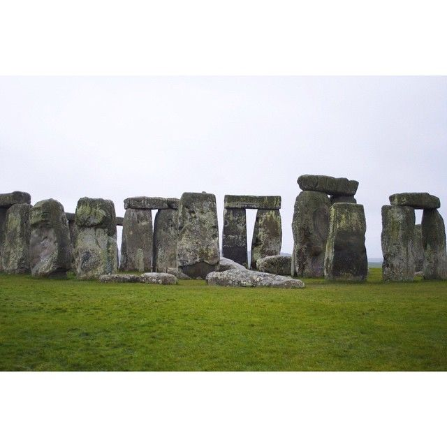 Took a trip down to see Stonehenge today. Very surreal thinking that this prehistoric monument goes back possibly to 3000BC.  The rocks can weigh up to 30 tons. #travel #travelphotography #stonehenge #prehistory #history #uk #england #instatravel