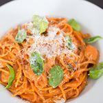 Het heeft lang geduurd want voor mijn vakantie maakte ik deze Eenpansspaghetti met tomatenroomsaus al, maar vandaag staat het recept dan eindelijk online! #ohmyfoodness #foodporn #pastalover #easyrecipe #nuonline
