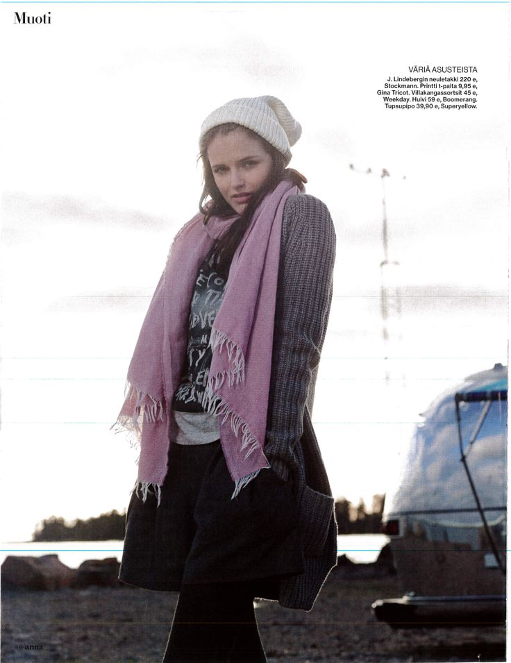 SUPERYELLOW wool beanie in Anna magazine