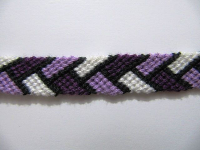 Braided Friendship Bracelet Pattern plus more patterns on friendshipbracelets.net