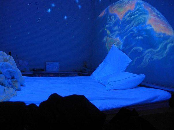 Pintura Luminiscente que brilla en la oscuridad pos 8 horas de Acmelight Company