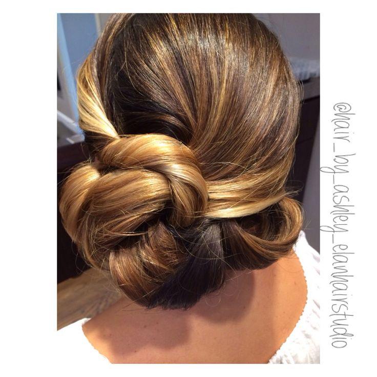 Sideswept up style #wedding #hair #sideswept #sidebun #updo #elegant #sleekupdo #brunette #highlights
