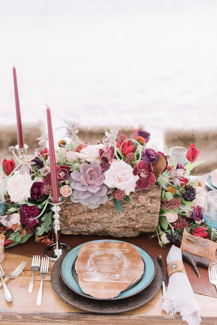Boho-Chic-winter-wedding | Photo by Darren Roberts Photography | Design by Naturally Chic | Willow Flower Co. | Mountain Beauties | Canmore + Banff Makeup Artistry | Whippt Desserts + Catering Inc. | Courtney Mark _ Sophia Models International
