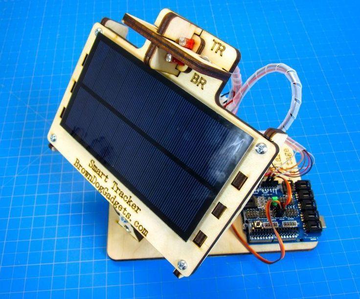 """In English.Nosotros a BrownDogGadgets.com encantamos usar la energía solar con nuestros proyectos electrónicos. En general, es muy fácil usar la energía solar con proyectos pequeños que necesitan el bajo voltaje.Una pregunta frecuente de estudiantes y aficionados es """" Cómo puedo hacer un seguidor solar?""""Es una pregunta excelente y un proyecto muy divertido, pero en el pasado no fue fácil hacer un ..."""