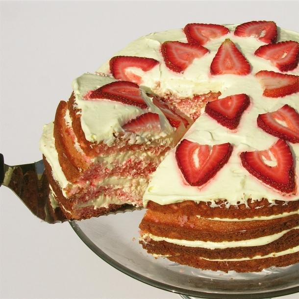 STRAWberry LEMONADE layer cake - hmmm looks easy but looks like a lot of work