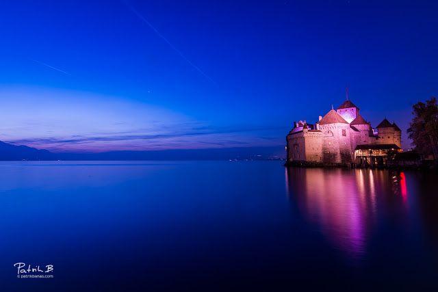 Château in blue  When the timing is right old castle looks magnificent! Isn't it?Stačí si to správne načasovať a starý kaštieľ vyzerá úchvatne však?  blue chateu chillon magic sky sky