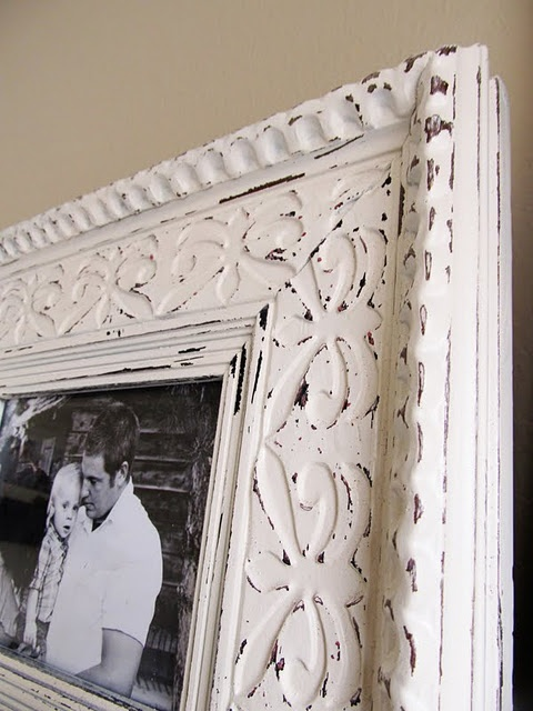 DIY Antique FramesFrames Makeovers, Diy Rustic Frames, Crafts Ideas, Sprays Painting Frames, Vintage Frames, Old Frames, Quick Frames, Garages Sales, Pictures Frames