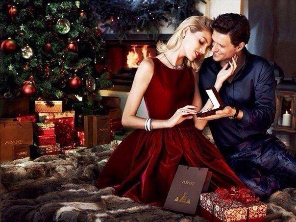 Скоро Новый год. Мужчины будут наряжать елку. А настоящие мужчины - своих Женщин.
