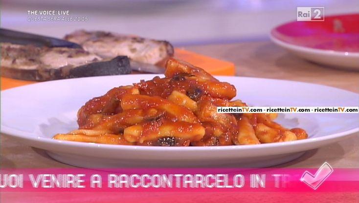 """""""Detto Fatto"""": la ricetta dei lolli siciliani con spada e melanzane di Beniamino Baleotti del 04 maggio 2016."""