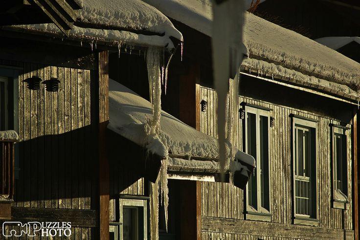 Winter house Norway  #puzzleshphoto