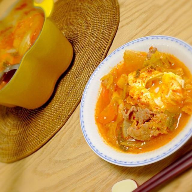 キムチと生姜で代謝アップ♡ *ぶた肉 *大根 *人参 *白葱 *たまご キノコ入れるの忘れた〜 - 4件のもぐもぐ - キムチ味噌スープ by ゆきぼぅ