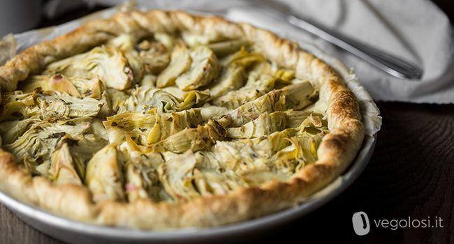 La torta salata vegan ai carciofi e patate è la soluzione perfetta per una preparazione di facile realizzazione, ma dal successo assicurato